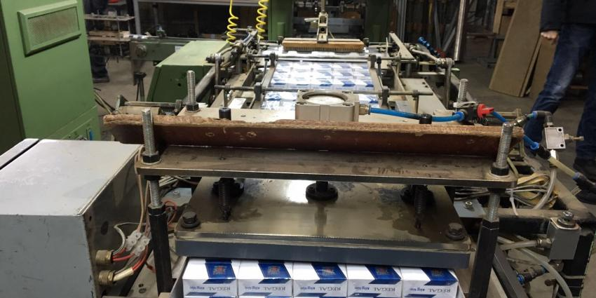 8 aanhoudingen in illegale sigarettenfabriek in Oirschot