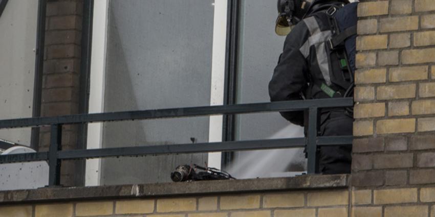 Foto van brandweer bij verbrande föhn | Flashphoto | www.flashphoto.nl