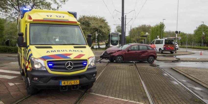 Veel schade bij forste aanrijding Schiedam