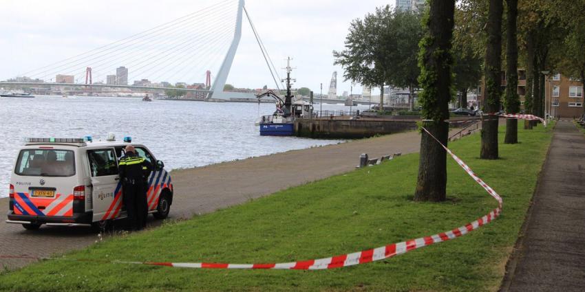 Dode vrouw gevonden in Nieuwe Maas