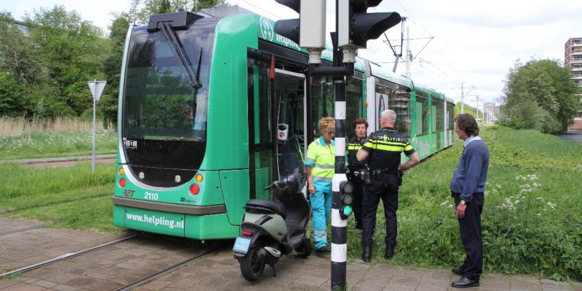 Aanrijding tussen scooter en tram