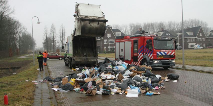 Brand in vuilniswagen