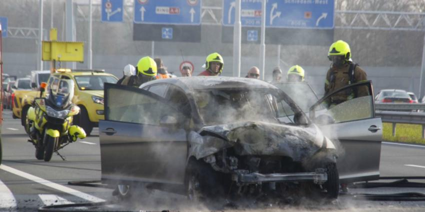 Auto in brand op A4 na aanrijding