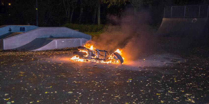 Scooter in brand in Vlaardingen