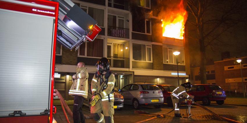 Gewonden bij uitslaande brand in flatwoning