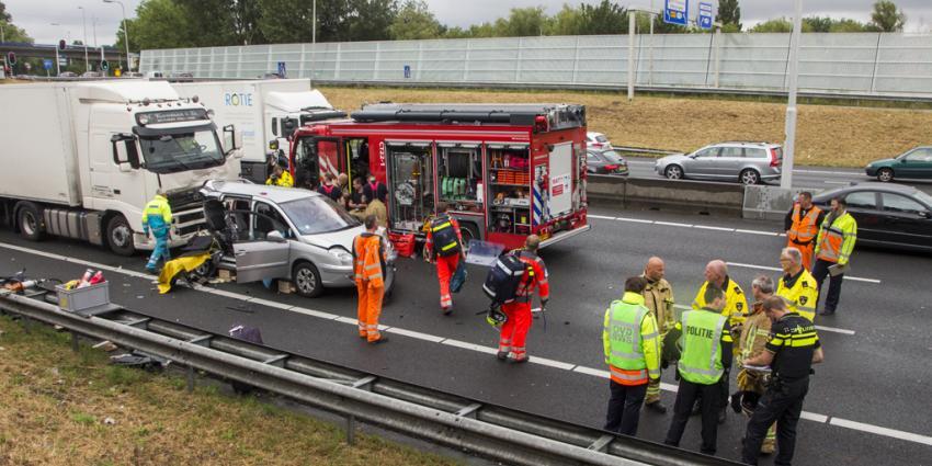 Acht gewonden bij aanrijding op A20