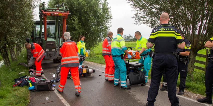 Scooterrijder zwaargewond bij aanrijding in Schipluiden