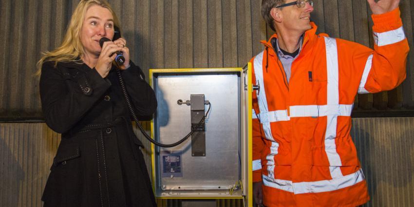 Minister Schultz opent nieuwe A4