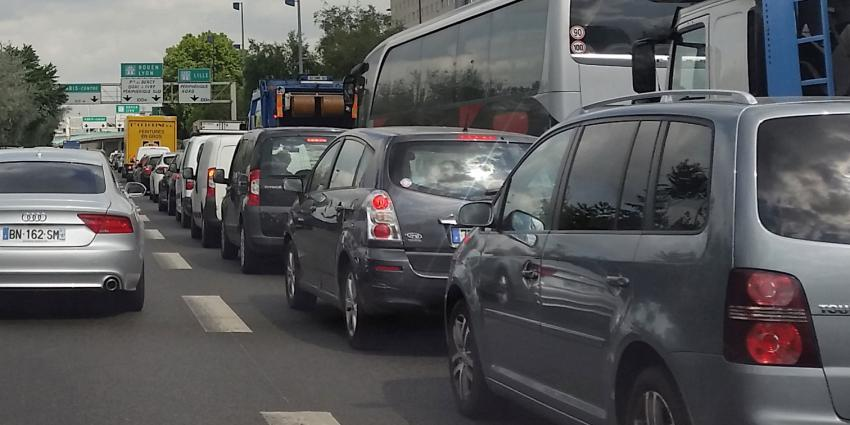 Ouders laten 3-jarig kind op parkeerplaats achter in Frankrijk