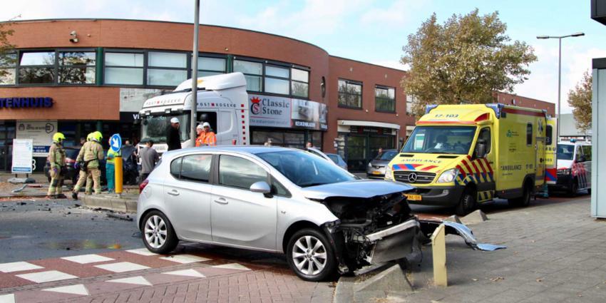 Twee gewonden na frontale aanrijding