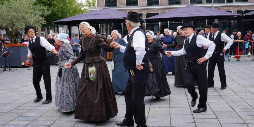 Fryske Folkloaredei in Heerenveen druk bezocht