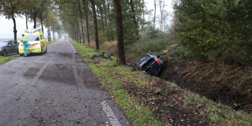 ongeval, BMW, sloot, total loss, gasselte