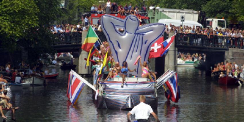 Foto van politieboot op gaypride | Archief EHF