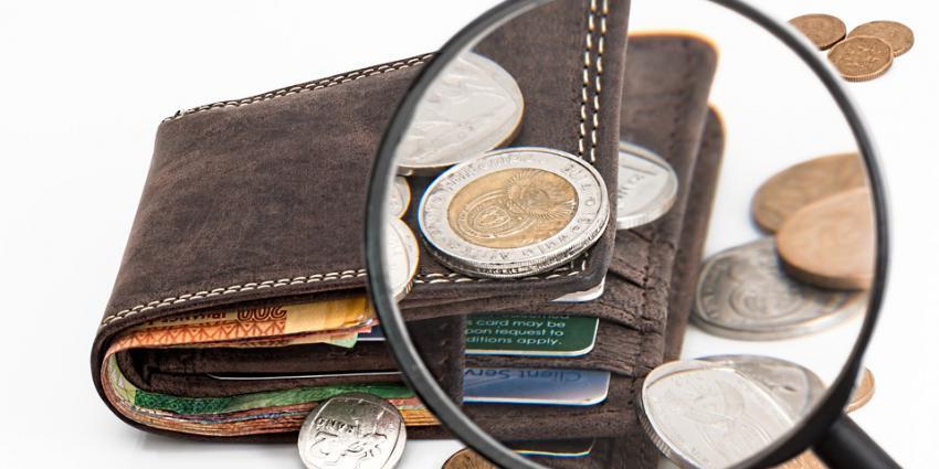 Foto van portemonnee met geld