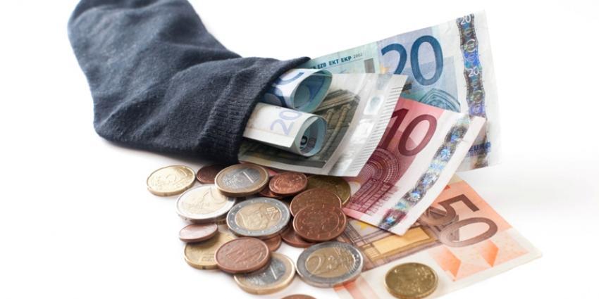 Nederlanders sparen eerste helft van dit jaar 6,6 miljard euro erbij