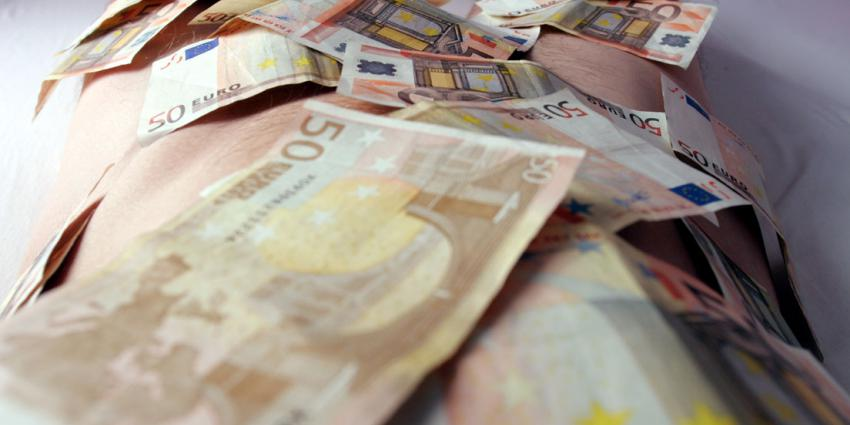 Man aangehouden met 13.000 euro