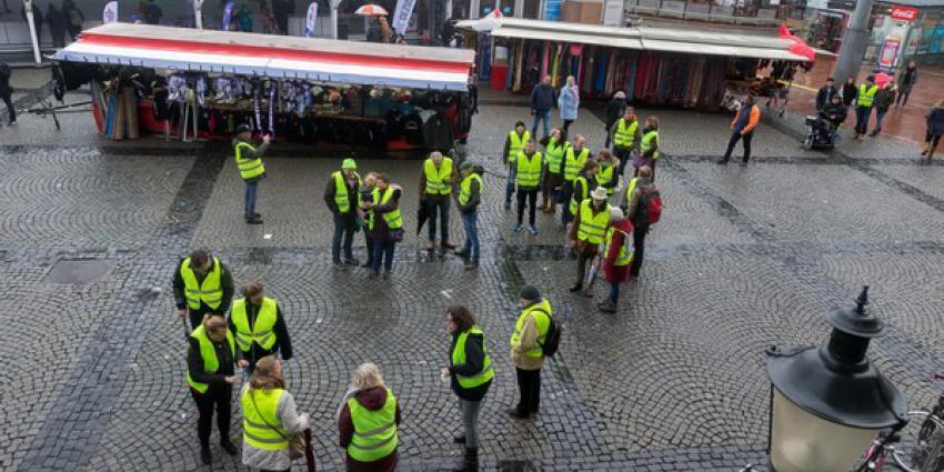 35 Gele Hesjes bij gemoedelijk protest in Groningen