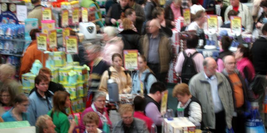 Nederland kruipt uit recessie