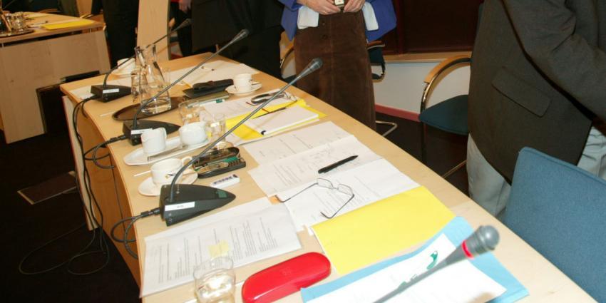 Raad zegt vertrouwen in college op, wethouders De Ronde Venen stappen op