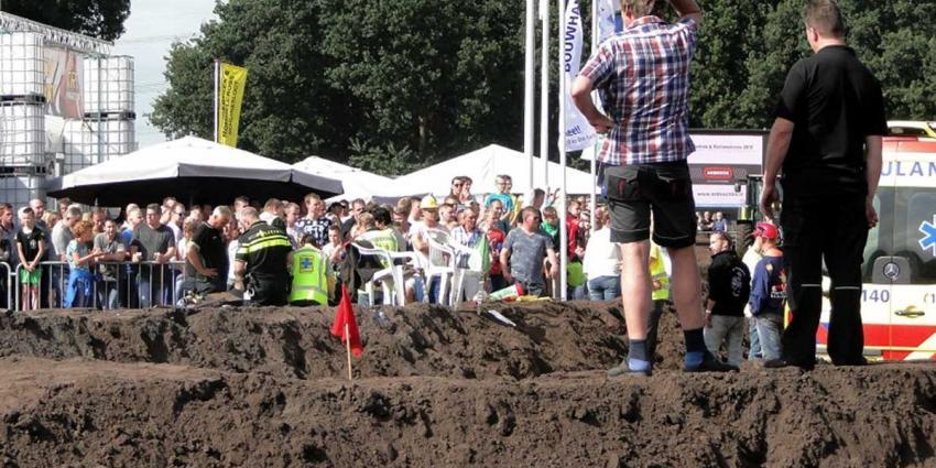 Baanofficials gewond bij ongeval autocross Schuinesloot