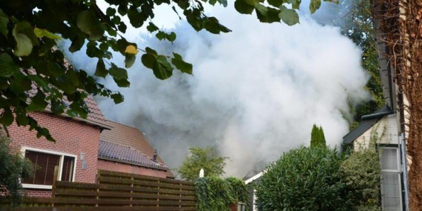 Brand verwoest schuur aan de Broek in Gieterveen