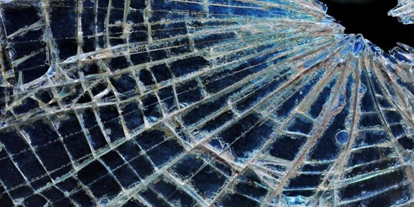Explosie vernield raam in Purmerend
