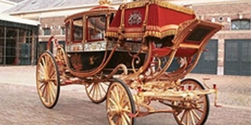 Gerestaureerde Glazen koets naar Louwman Museum gebracht