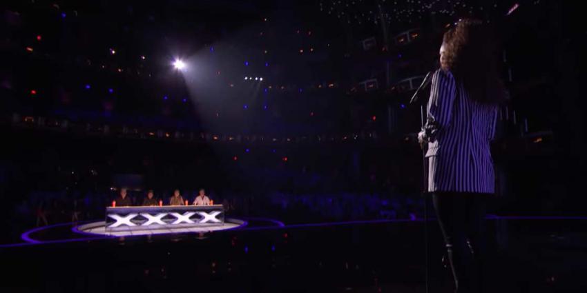 Glennis Grace krijgt staande ovatie in halve finale AGT