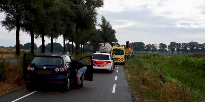Zwaargewonde bestuurder graafmachine overleden, politie staat voor raadsel