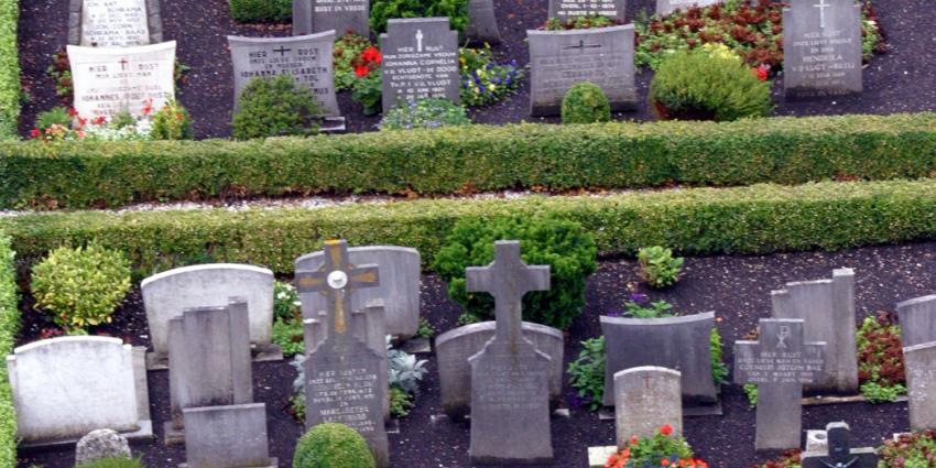 Verdachte van vernielen graf aangehouden