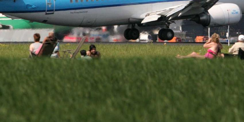 Foto van vliegtuig opstijgen   Archief EHF
