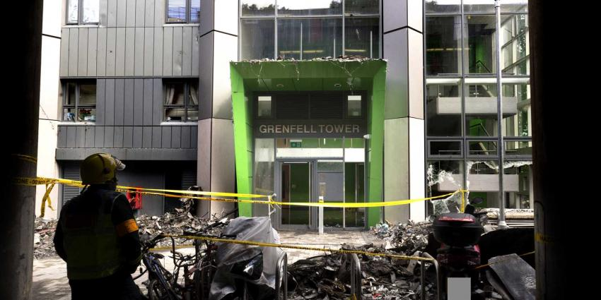 Honderden Londenaren moeten hun flats uit vanwege brandgevaar