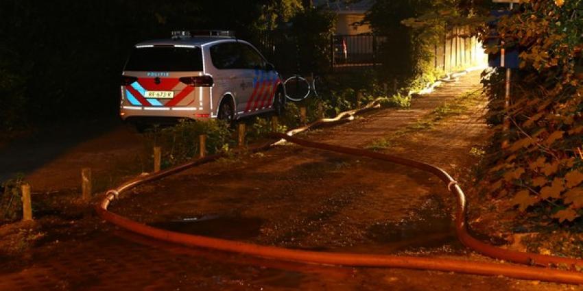 Felle brand verwoest schuur op recreatiepark Noenes in Haaren