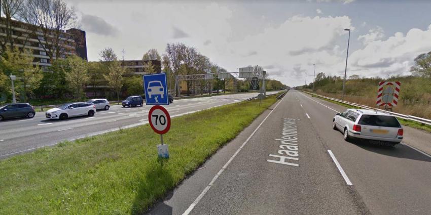 Politie Amsterdam neemt 11 rijbewijzen in beslag tijdens snelheidscontroles