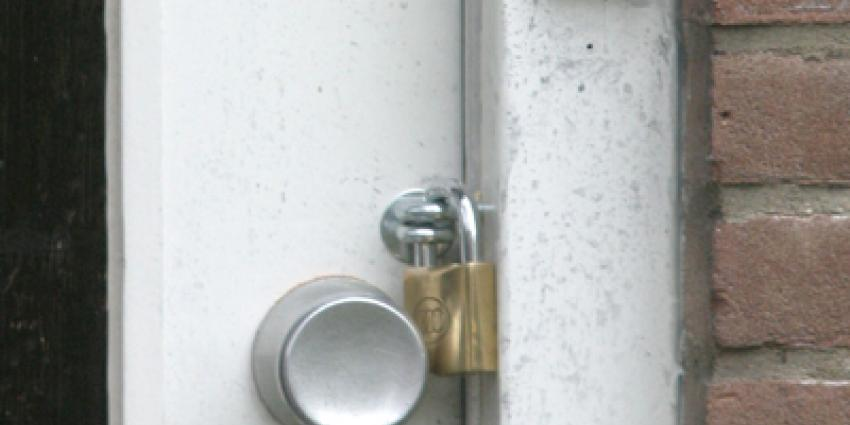 Woning in Osdorp gesloten na drugs- en wapenvondst