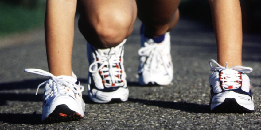 Marathon lopen kan ook op schoenen van 20 euro