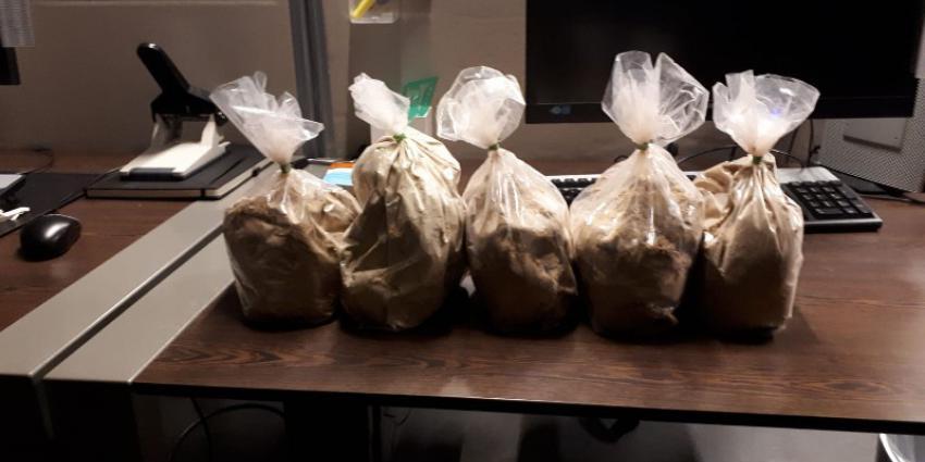 Defecte verlichting brengt vijf kilo heroïne aan het licht