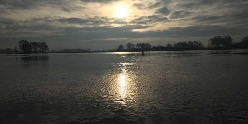Hoogwater in Vecht en IJssel blijft stijgen