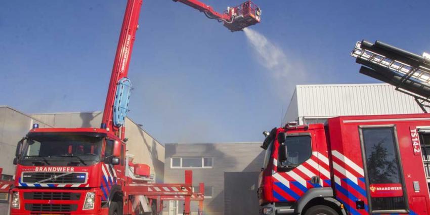 Explosies bij grote brand in bedrijfspand Schiedam