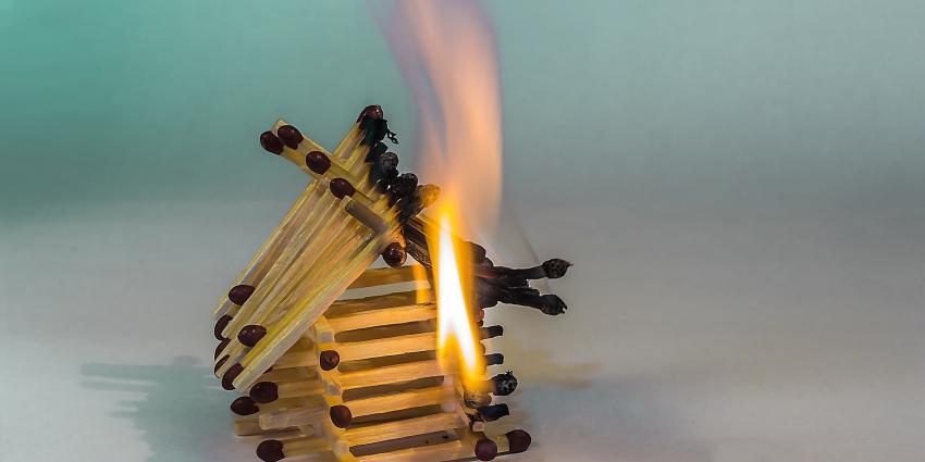 brandende lucifers