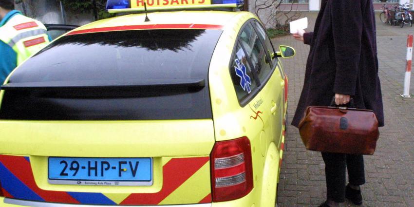 Chauffeur dokterswacht mishandeld na goedbedoelde stop