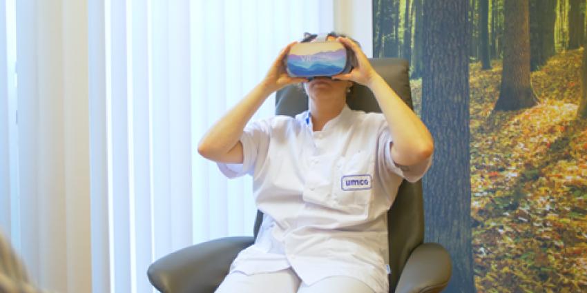 IC Verpleegkundige met vr-bril