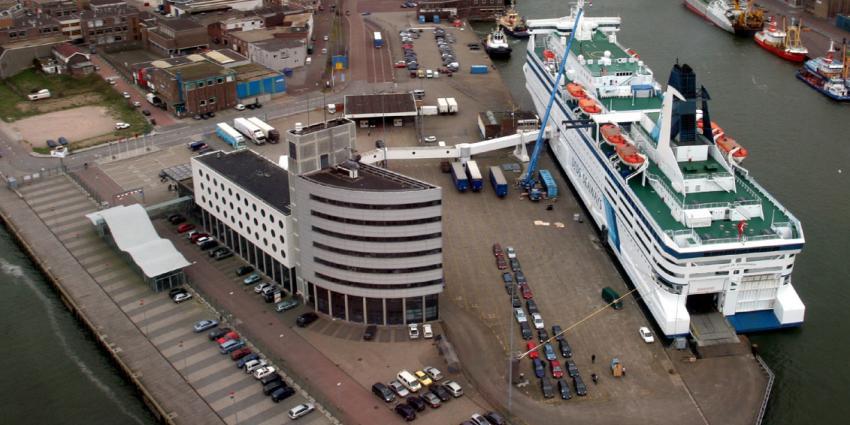 Marechaussee treft steeds meer illegalen aan in Hoek van Holland