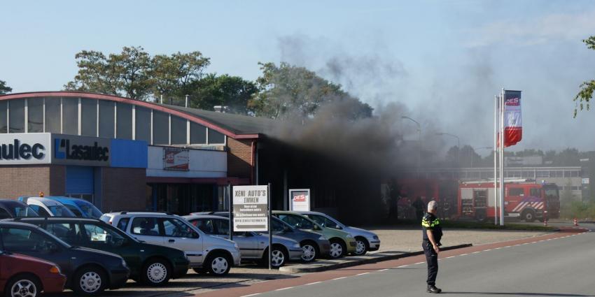 Bedrijfsbrand in Emmen onder controle
