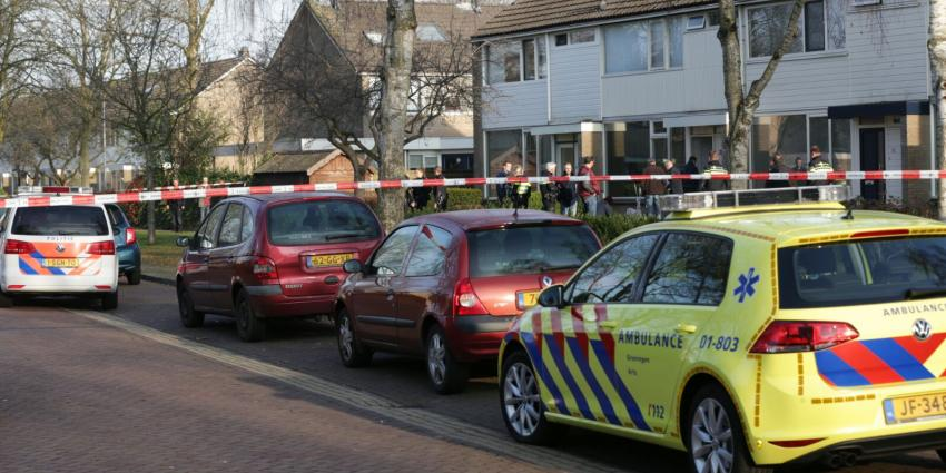Man aangehouden voor mogelijke betrokkenheid bij dodelijk incident woning