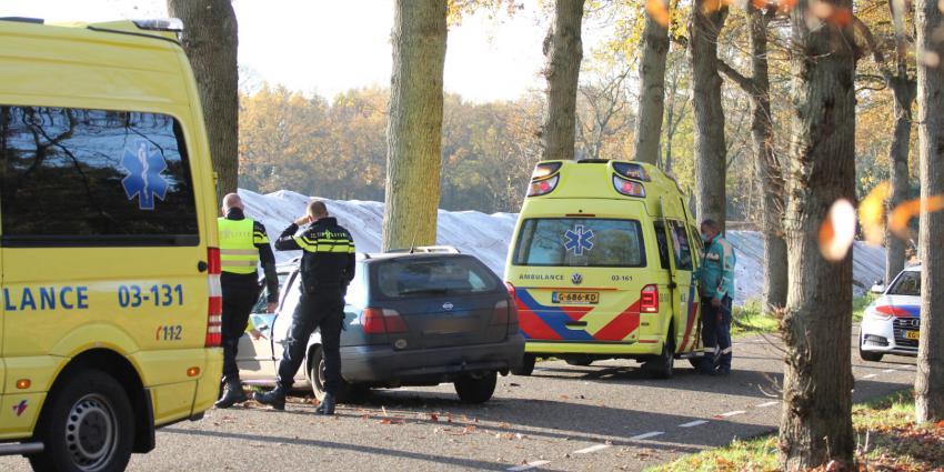 Politie onderzoekt beschadigde auto