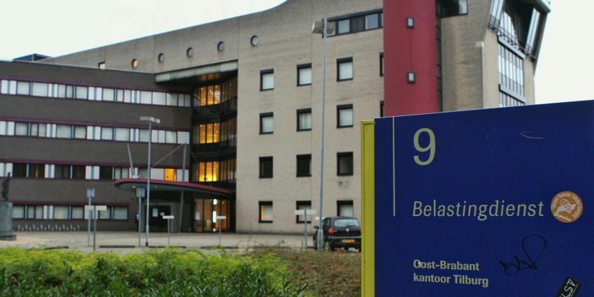 Tilburg gaat vluchtelingen opvangen in voormalig belastingkantoor