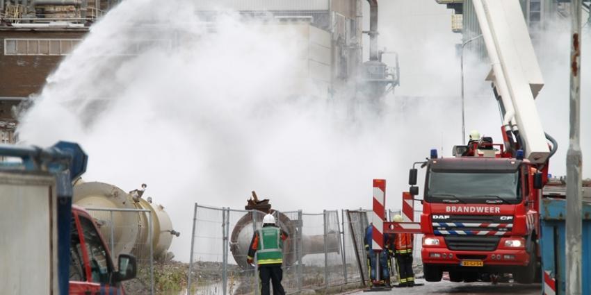 Foto van brand bij sloopwerkzaamheden chemie park   MV Blik op Nieuws
