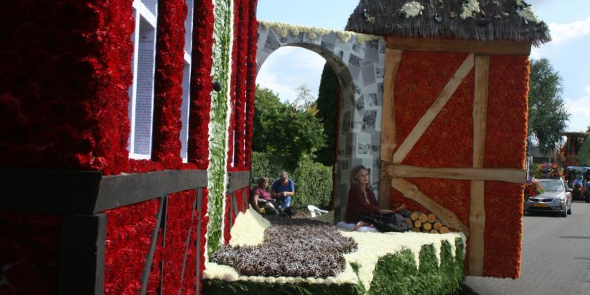 61e editie bloemencorso Eelden druk bezocht