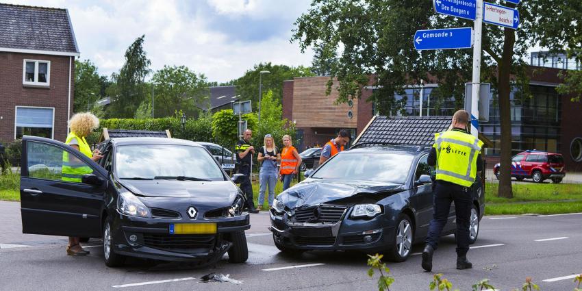 Veel schade bij botsing om voorrangsfout in Sint-Michielsgestel